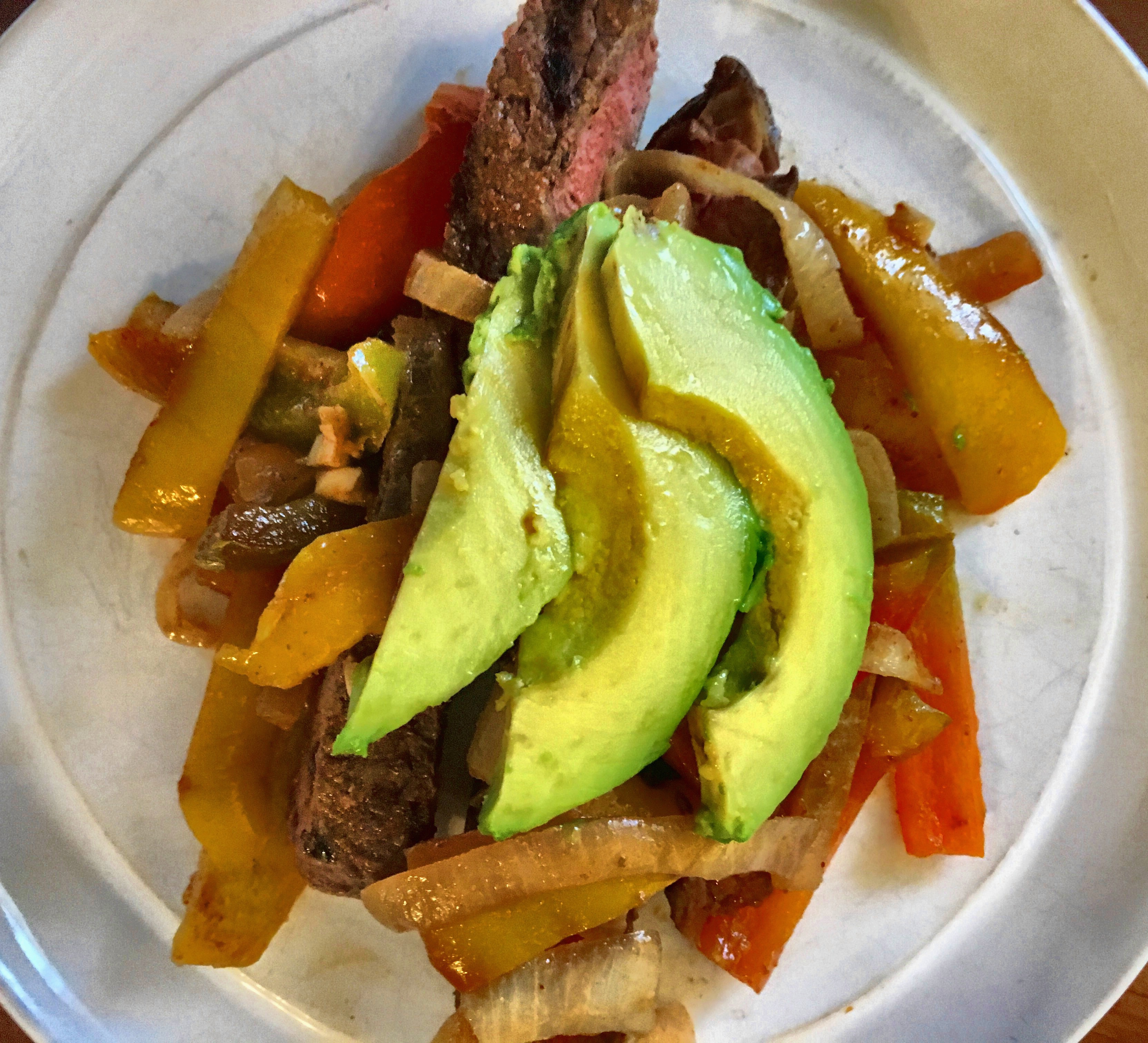 Paleo Steak Fajita Recipe - www.Xperimentsinliving.com